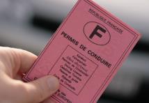 Conduite sans permis : bientôt une simple contravention ?